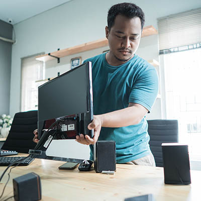 Hardware Workers Need in 2020